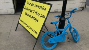 65 62 Norton delays sign and blue bike 2
