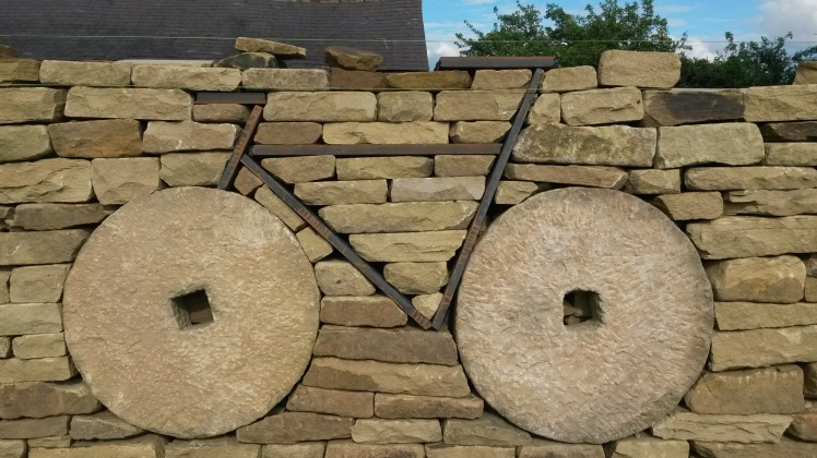 01-wall-bike-close